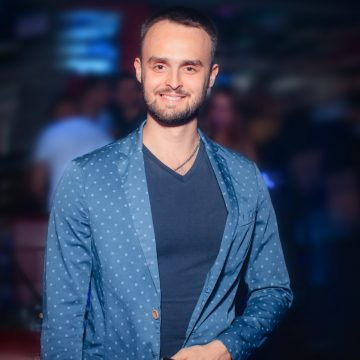 Евгений Лысенков